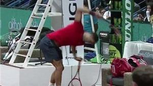 Thua trận chung kết, Dimitrov nổi nóng 3 lần đập gãy vợt