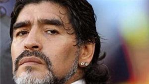 Maradona cảnh báo: 'Messi và đồng đội không vô địch, đừng về nhà'