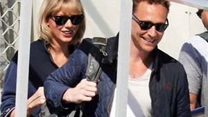 Taylor Swift và Tom Hiddleston quấn nhau như sam, quên cả thế giới