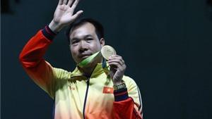 Xạ thủ Hoàng Xuân Vinh được thưởng lớn sau tấm HCV Olympic