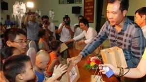 Hoàng Xuân Vinh tham gia chương trình từ thiện 'Vinh quang và sự biết ơn'