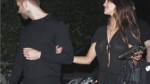 Tình cũ của Taylor Swift tay trong tay với tình cũ của Cristiano Ronaldo