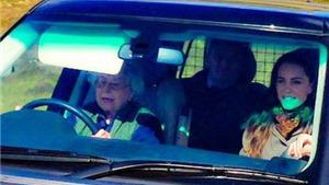 Nữ hoàng Anh 90 tuổi tự mình lái xe Range Rover