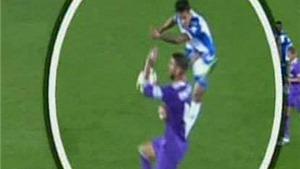 QUAY CHẬM: Ramos đã đóng kịch để thoát thẻ đỏ trong trận Espanyol - Real Madrid