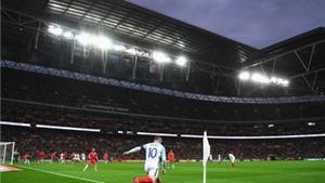 7 hình ảnh tóm tắt màn trình diễn tệ hại của Rooney trước Malta