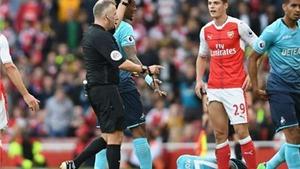 Xhaka nhận thẻ đỏ thứ 8 trong 2 năm rưỡi. Arsenal vẫn không lo lắng?