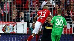 Bayern hạ gục Moenchengladbach, lên tiếng về tin đồn bán Alaba cho Man City
