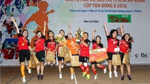 Giải Futsal nữ Báo chí TP.HCM mở rộng 2016: Cúp 'đãi' khách mời