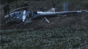 VIDEO: Hỗn loạn khi trực thăng truy quét ma túy của Brazil lao xuống đất