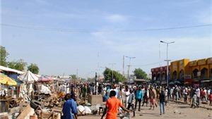 KHỦNG KHIẾP: 2 bé gái 7, 8 tuổi đánh bom tự sát, 17 người bị thương