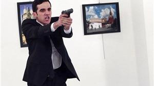 CẬN CẢNH hình ảnh hiện trường vụ nổ súng vào đại sứ Nga ở Thổ Nhĩ Kỳ