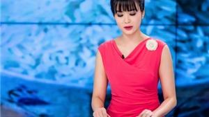Hoa hậu Thu Thủy rực rỡ dẫn bản tin ngày đầu năm