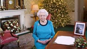 Đi dạo lúc 3 giờ sáng, Nữ hoàng Anh suýt bị bắn trong cung điện