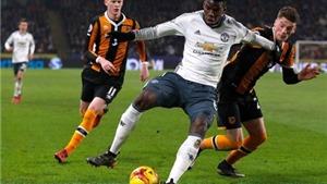 Phil Neville chê Pogba cực tầm thường trước Hull City