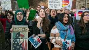 Có 'thẻ xanh' cũng bị cấm nhập cảnh vào Mỹ