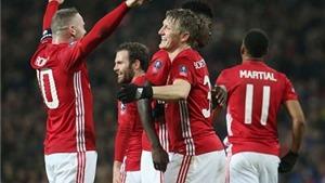 Vừa tỏa sáng, Schweinsteiger lập tức được Mourinho 'thưởng nóng'