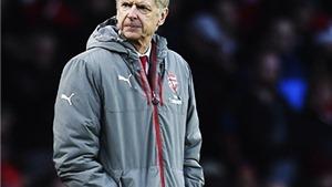 Arsene Wenger không nao núng trước cơn bão chỉ trích
