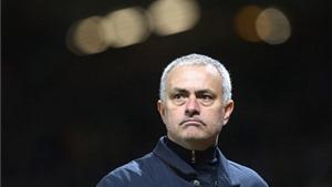 Mourinho chỉ trích Leicester dữ dội, tiết lộ vai trò của Rooney ở Chung kết League Cup