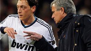 Mesut Oezil tiết lộ đoạn hội thoại gây sốc với Mourinho ở Madrid