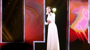 Thần tượng Bolero: Quang Lê 'ngất ngây' vì được 'hoa hậu' Lý Thu Thảo chọn
