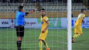 Trọng tài đúng khi không công nhận bàn thắng của FLC Thanh Hóa