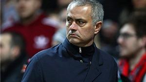 Cộng đồng mạng bối rối khi Mourinho sử dụng 4 trung vệ trong sơ đồ... 6-2-2