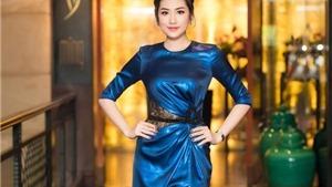 Á hậu Tú Anh diện đầm xẻ táo bạo, khoe chân dài 1,05m