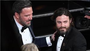 Sau khi giành giải Oscar, Casey Affleck vượt qua anh trai Ben, thành tâm điểm của báo lá cải