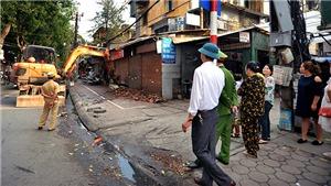 Bí thư Thành ủy Hà Nội nhắc nhở: 'Tôi đếm sơ cũng có tới 4 gánh phở bán rong'