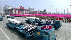 Triều Tiên phô diễn sức mạnh quân sự tối tân trong cuộc diễu binh