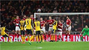 Middlesbrough 1-2 Arsenal: Sanchez sút phạt điệu nghệ, Oezil cũng ghi bàn, Arsenal nuôi hi vọng Top 4