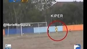 SỐC bóng ma Tiger cup 98: Sợ phải thắng, hai CLB Indonesia 5 lần đá phản lưới nhà