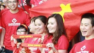 Tiếng nói CĐV Việt Nam: 'Trọng tài thiên vị Malaysia. Việt Nam đã có HLV Miura!'