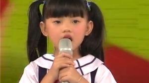 Xúc động nghe bé 6 tuổi hát 'Quốc ca'
