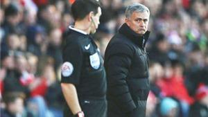 Mourinho chỉ trích trọng tài. Van Gaal ức chế với hàng thủ. Wenger bênh Sanchez