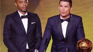 VIDEO hoạt hình: Ronaldo cởi trần, gào thét, nhận Quả bóng Vàng