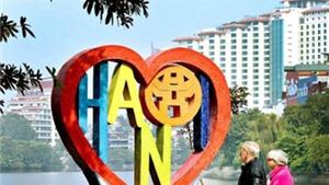 Tuyệt đẹp trái tim gốm 'Tình yêu Hà Nội' bên hồ Trúc Bạch