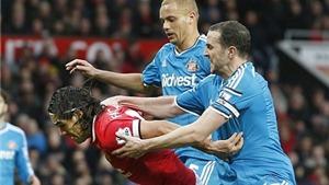 Sunderland kháng án thành công thẻ đỏ của Wes Brown trong trận gặp Man United