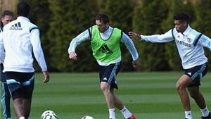 Mourinho cảnh báo cầu thủ trẻ Chelsea về cơ hội vào đội 1