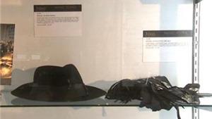 Guitar của George Harrison, găng tay của Michael Jackson được chào bán  từ 2 - 12 tỷ
