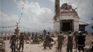 Động đất ở Nepal (CẬP NHẬT): Tìm thêm gần 1.000 người chết. Mặt đất 'bỗng dưng' bị đội lên gần 1m