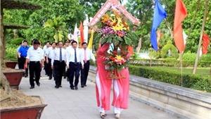 Lễ dâng hương tại Khu di tích Kim Liên