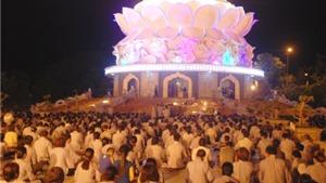 Đà Nẵng, Huế lung linh trong đêm Đại lễ Phật đản