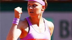 Safarova (13) - Ivanovic (7) 7-5, 7-5: Lần đầu cho Lucie Safarova
