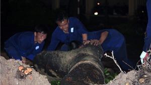 Chùm ảnh: Trắng đêm 'cứu' Hà Nội sau khi bị mưa dông tàn phá
