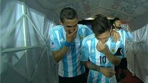 Cười nhạo HLV, Messi và Di Maria bị chỉ trích dữ dội