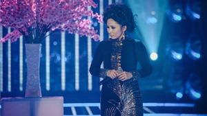 Vòng 10 Gương mặt thân quen 2015: 'Nữ hoàng sầu muộn' Giao Linh thắng sát nút Thanh Thanh Hiền