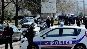Pháp can thiệp nhanh, giải cứu thành công nhiều người bị bắt làm con tin ở Paris
