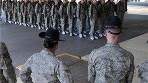 Sát thủ 24 tuổi vào trại tuyển lính Mỹ bắn giết lung tung. Obama sốc nặng