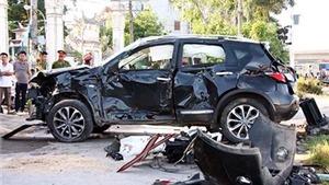 Tàu hỏa đâm ôtô tại Hà Nội, 1 người chết, 5 người bị thương